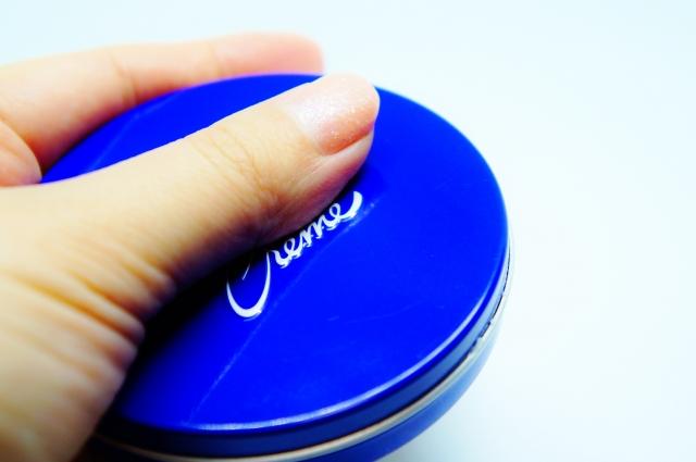 ニベア青缶とベビーパウダーで、ノーファンデのナチュラルメイク