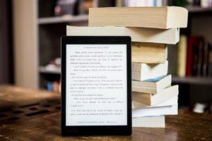 自分が読みたい種類の本に特化したアプリを選ぶ