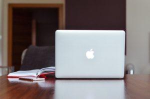 OS(MacかWindowsか)で選ぶ